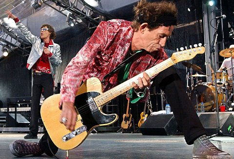 Mr. Keith Richards rocking his Tellie